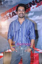 Rannvijay Singh at Louis Phillipe Speed challenge in Oberoi Mall on 12th May 2011 (4).JPG