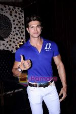 saahil khan at Rohit Bal_s bday bash in Veda on 12th May 2011.JPG