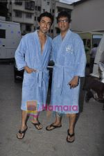 Aashish Chaudhary & Javed Jaffery on the sets of Double Dhamaal in Mehboob Studio, Mumbai on 13th May 2011 (2).JPG