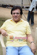 at Anup Jalota_s film Neil Ko Pakadna on location in Filmcity on 16th May 2011 (10).JPG