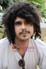 Imaad Shah at 404 film press meet in Novotel on 17th May 2011 (11).JPG