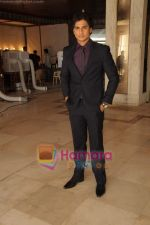 Shiv Pandit at Shaitan film on location in Tulip Star  on 28th May 2011 (61).JPG