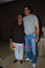 Mukesh Rishi, Anjan Shrivastava at Anjan Shrivastava_s birthday bash celebrated after 57 years with media in Raheja Classique on 2nd June 2011 (11).JPG