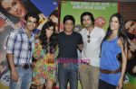 Satyajeet Dubey, Zoa Morani, Shahrukh Khan, Ali Fazal, Giselle Monteiro at Always Kabhi Kabhi promotions in Mannat, Bandra, Mumbai on 7th June 2011 (2).JPG