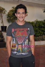 Aditya Narayan at X FaCTOR 12 finalists introduction in Filmcity on th June 2011.JPG