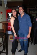 Sumeet Sachdev at Vikram Ram_s Soda the cult restaurant launch in Malad, Mumbai on 16th June 2011 (3).JPG