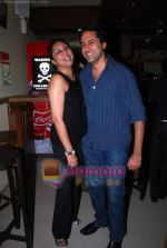 Sumeet Sachdev at Vikram Ram_s Soda the cult restaurant launch in Malad, Mumbai on 16th June 2011 (4).JPG