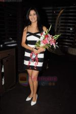 Shweta Tiwari at Teejay Sidhu_s birthday bash in China Garden, Khar on 21st June 2011 (41).JPG