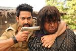 Aftab Shivdasani, Gulshan Grover in Still from the movie Bin Bulaye Baraati (1).jpg