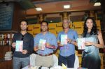 Kanishtha Dhanker, Randeep Hooda, Sudhir Mishra, Anurag Anand at Reality Bytes book release by Anurag Anand in Landmark, Mumbai on 5th July 2011 (26).JPG