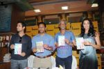 Kanishtha Dhanker, Randeep Hooda, Sudhir Mishra, Anurag Anand at Reality Bytes book release by Anurag Anand in Landmark, Mumbai on 5th July 2011 (22).JPG