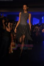 at Blenders Pride Magical NItes fashion show in Points Sheraton, Vashi, Mumbai on 9th July 2011 (16).JPG