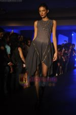 at Blenders Pride Magical NItes fashion show in Points Sheraton, Vashi, Mumbai on 9th July 2011 (18).JPG
