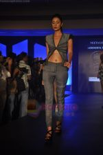 at Blenders Pride Magical NItes fashion show in Points Sheraton, Vashi, Mumbai on 9th July 2011 (30).JPG