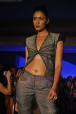 at Blenders Pride Magical NItes fashion show in Points Sheraton, Vashi, Mumbai on 9th July 2011 (31).JPG