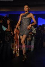 at Blenders Pride Magical NItes fashion show in Points Sheraton, Vashi, Mumbai on 9th July 2011 (37).JPG