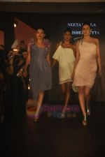 at Blenders Pride Magical NItes fashion show in Points Sheraton, Vashi, Mumbai on 9th July 2011 (51).JPG