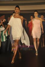at Blenders Pride Magical NItes fashion show in Points Sheraton, Vashi, Mumbai on 9th July 2011 (55).JPG