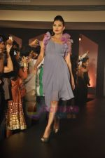 at Blenders Pride Magical NItes fashion show in Points Sheraton, Vashi, Mumbai on 9th July 2011 (59).JPG