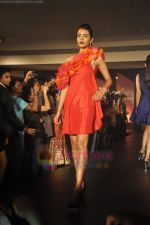 at Blenders Pride Magical NItes fashion show in Points Sheraton, Vashi, Mumbai on 9th July 2011 (62).JPG