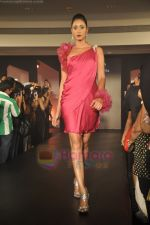 at Blenders Pride Magical NItes fashion show in Points Sheraton, Vashi, Mumbai on 9th July 2011 (68).JPG