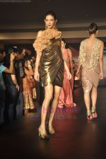 at Blenders Pride Magical NItes fashion show in Points Sheraton, Vashi, Mumbai on 9th July 2011 (73).JPG