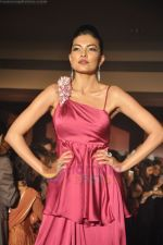 at Blenders Pride Magical NItes fashion show in Points Sheraton, Vashi, Mumbai on 9th July 2011 (81).JPG