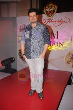 Dabboo Ratnani at I AM She preliminary rounds in Trident, Mumbai on 10th July 2011 (64).JPG