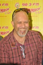 Loy Mendonsa with Aarakshan team at Radio Mirchi in Lower Parel on 11th July 2011 (54).JPG