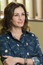 Julia Roberts in still from the movie Larry Crowne (6).jpg
