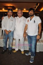 Gulzar, Sajid, Wajid at Chala Mussadi Office Office film trailer launch in Andheri on 12th July 2011 (57).JPG
