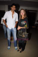 Rahul Singh at Reka Rana_s art exhibition in Jehangir on 13th JUly 2011 (15).JPG