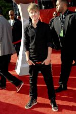 Justin Bieber at the 19th Annual ESPY Awards on July 13, 2011 at Nokia Theatre in Los Angeles, CA, USA (40).jpg