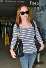 Christina Ricci Snapped at the LAX airport on 15th July 2011 (7).jpg