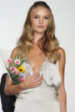 Rosie Huntington-Whiteley arrives at the Transformers Dark of the Moon press conference at Osaka Station City Cinema on 16th July 2011 (6).jpg