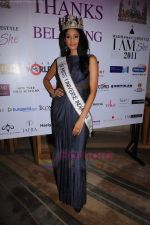reveals 3 winners of I AM She in Trident, Mumbai on 16th July 2011 (68).JPG