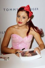 Ariana Grande performing at Macy_s Annual Summer Blowout Show in NYC on July 17, 2011 (2).jpg