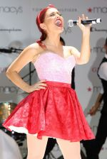 Ariana Grande performing at Macy_s Annual Summer Blowout Show in NYC on July 17, 2011 (3).jpg