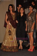 Zarine Khan, Sophie at Blenders Pride fashion tour announcement in Tote, Mumbai on 20th July 2011 (45).JPG