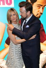Jennifer Aniston, Jason Sudeikis attend the UK premiere of the movie Horrible Bosses at BFI Southbank on 20th July 2011 (69).jpg