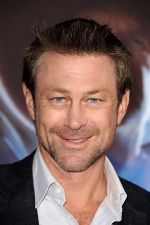 Grant Bowler arrives at the world premiere of the movie Cowboys and Aliens at San Diego Civic Theatre on July 23, 2011 in San Diego, California.jpg