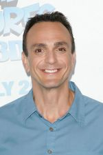 Hank Azaria attends the world premiere of the movie The Smurfs at the Ziegfeld Theatre on 24th July 2011 in New York City, NY, USA.jpg