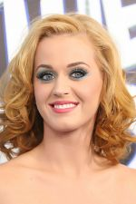 Katy Perry attends the world premiere of the movie The Smurfs at the Ziegfeld Theatre on 24th July 2011 in New York City, NY, USA (4).jpg