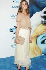 Olivia Palermo attends the world premiere of the movie The Smurfs at the Ziegfeld Theatre on 24th July 2011 in New York City, NY, USA (2).jpg