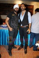 Ramji gulati with sudanshu pande at Pratap Sarnaik birthday party in Mumbai on 28th July 2011.JPG