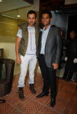 Vihang sarnaik and Rohit Roy at Pratap Sarnaik birthday party in Mumbai on 28th July 2011.JPG