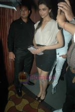 Deepika Padukone at Arpita Khan_s birthday bash in Aurus on 29th July 2011 (64).JPG