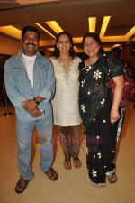 Neena Kulkarni at Anant Mahadevan_s Mee Sindhutai Sapkal success bash in Worli, Mumbai on 29th July 2011 (99).JPG