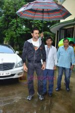 Hrithik Roshan donates bus to Dilkush school in Juhu, Mumbai on 1st Aug 2011 (30).JPG