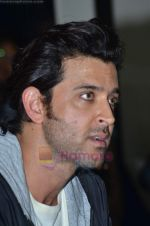 Hrithik Roshan donates bus to Dilkush school in Juhu, Mumbai on 1st Aug 2011 (41).JPG